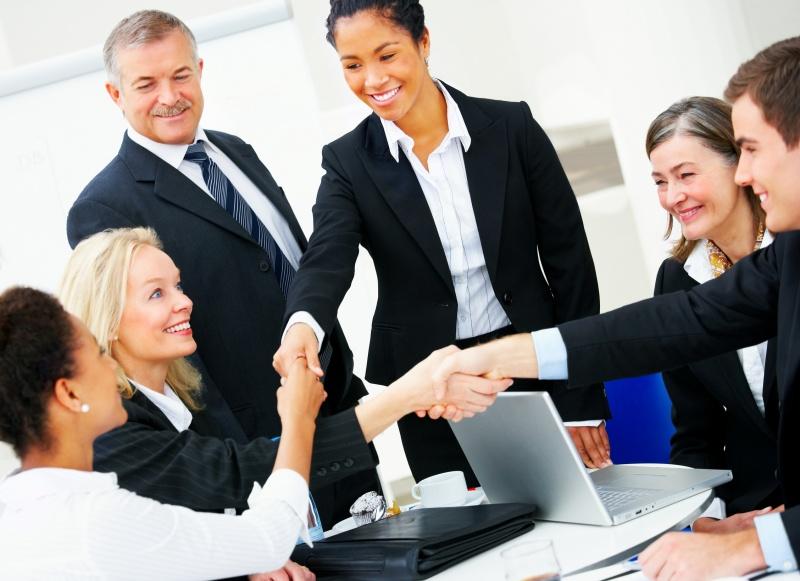 """4 nguyên tắc """"nằm lòng"""" giúp người đi làm học tiếng Anh giao tiếp thành công!"""