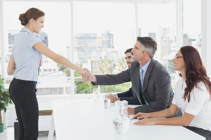 4 Trường hợp mà người đi làm cần tham gia ngay một khóa học tiếng Anh