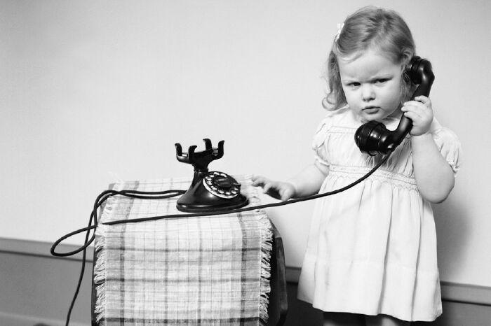 50 Mẫu câu tiếng Anh giúp bạn tự tin giao tiếp qua điện thoại