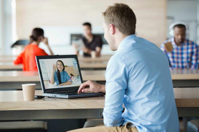 Những lợi ích khi học tiếng Anh 1 kèm 1 qua Skype