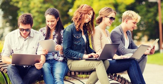 Cải thiện ngôn ngữ thứ hai với khóa học tiếng anh giao tiếp online uy tín
